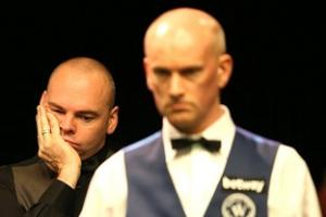 Peter Ebdon battles sleep and Stuart Bingham but gets the better of both