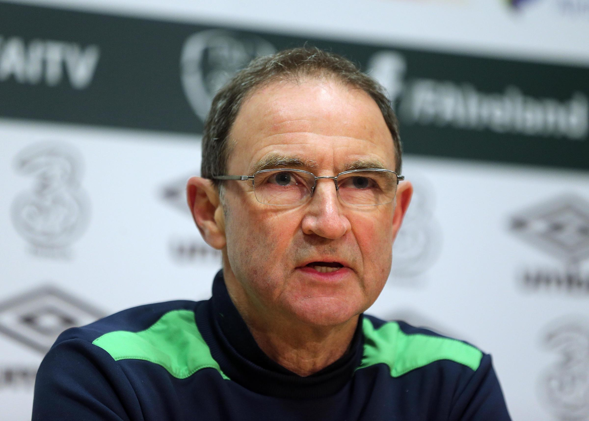 TIGHT GROUP: Ireland boss Martin O'Neill