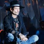 South Wales Argus: Johnny Depp duetted with Kris Kristofferson at Glastonbury