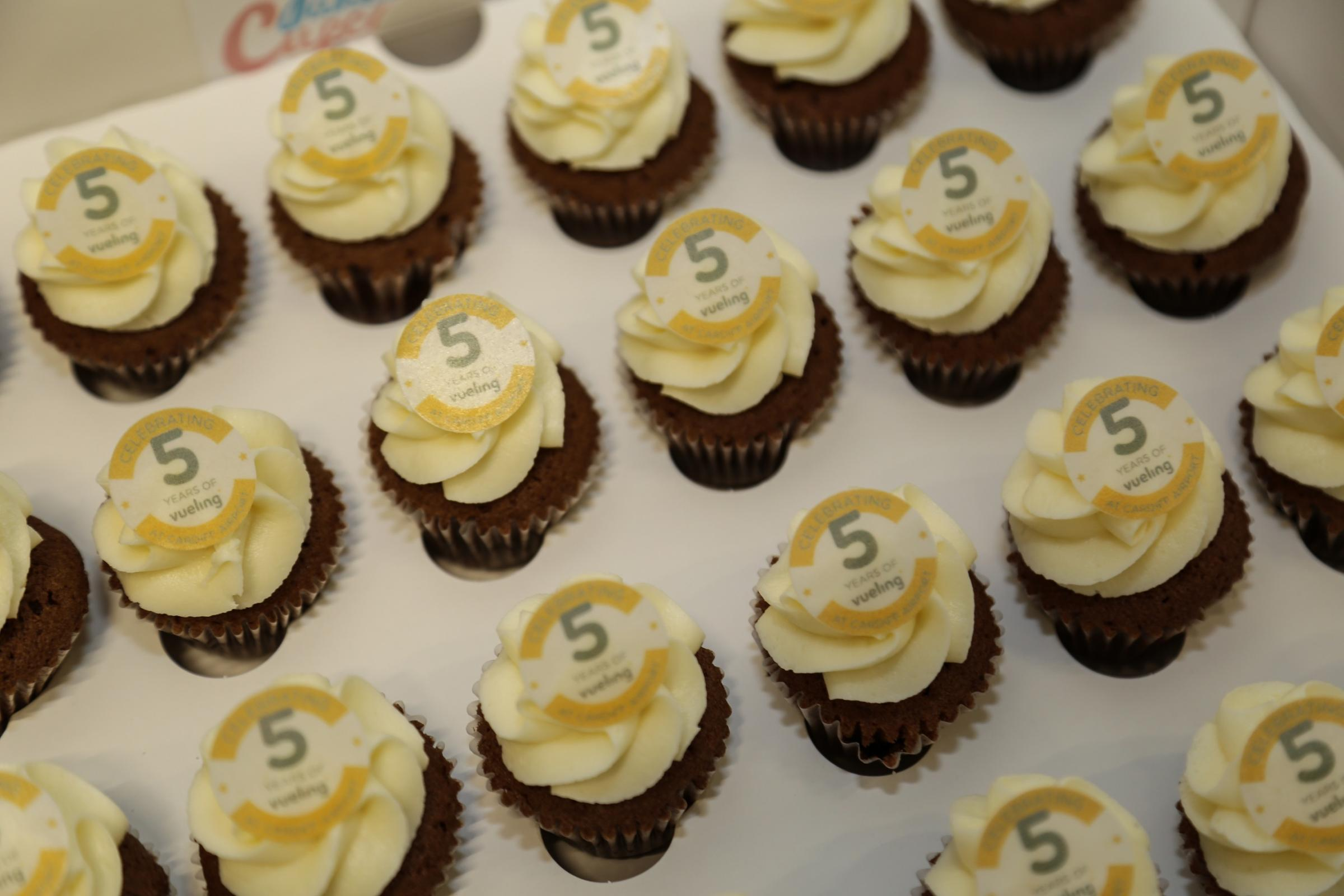 Vueling cup cakes