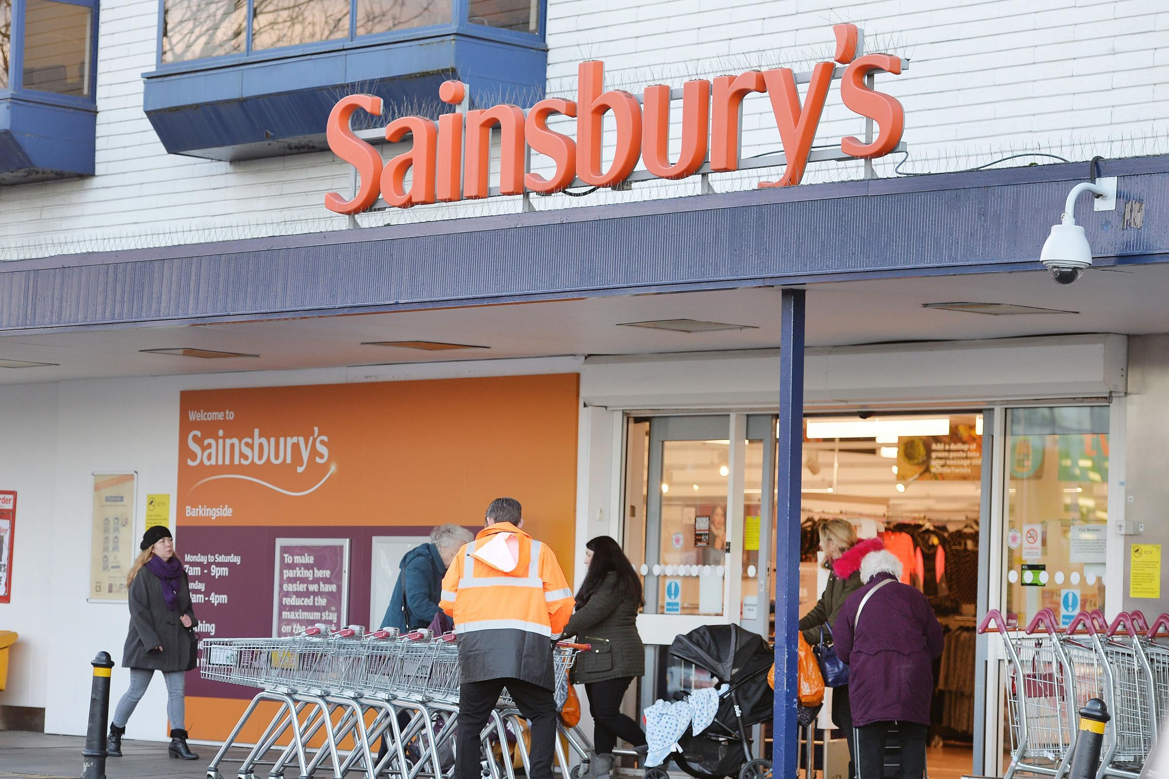 Sainsburys And Argos Offer 11500 Pre Christmas Jobs South Wales