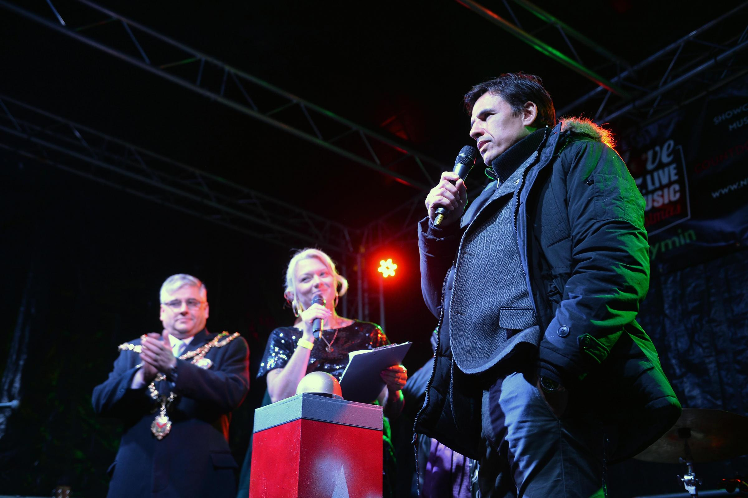 Chris Coleman at the countdown to Christmas lights switch on in Newport.   www.christinsleyphotography.co.uk