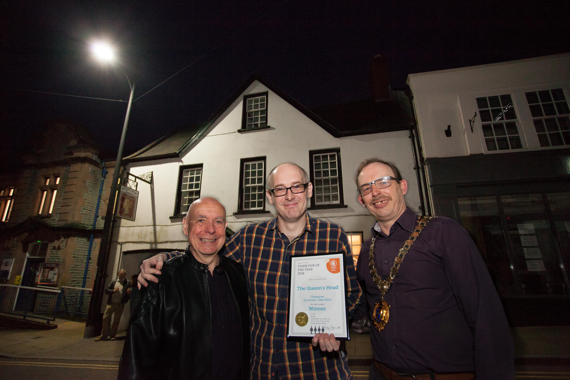 l-r) Martyn Groucutt, Gwent Camra Chairman, Glen Ellis, Queens Head landlord) and Cllr Dale Rooke mayor of Chepstow. Picture: Dai Baker