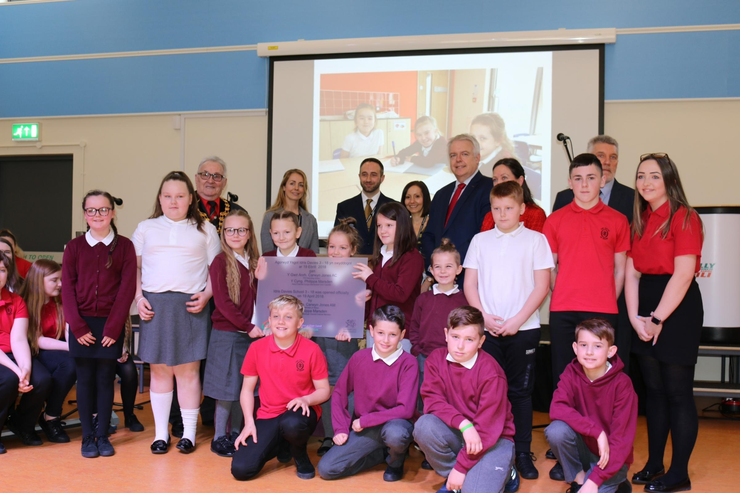 First Minister opens new school