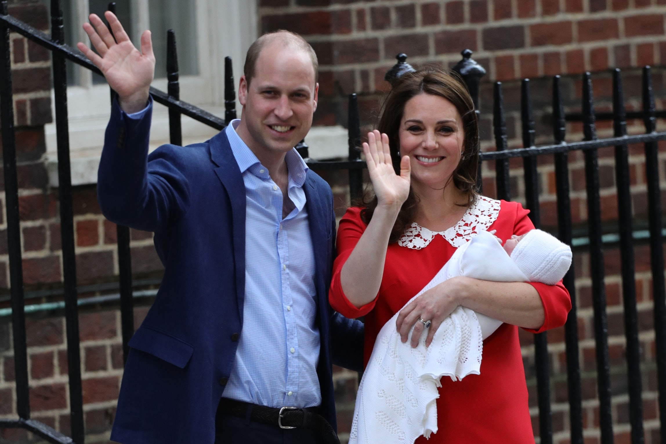 The Duke and Duchess of Cambridge and their newborn son outside the Lindo Wing at St Mary's Hospital in Paddington, London (Aaron Chown/PA)