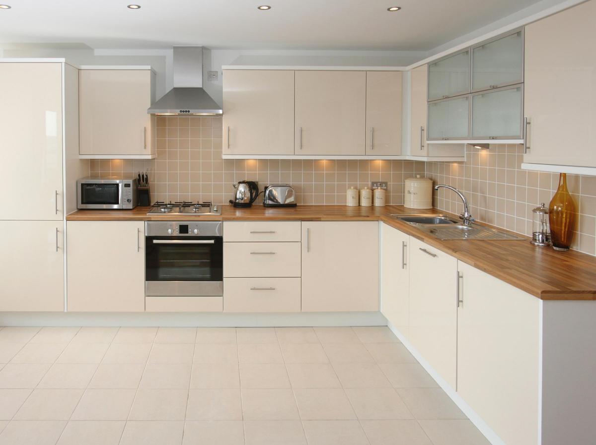 Tiles, laminate or luxury vinyl: which kitchen flooring option is ...