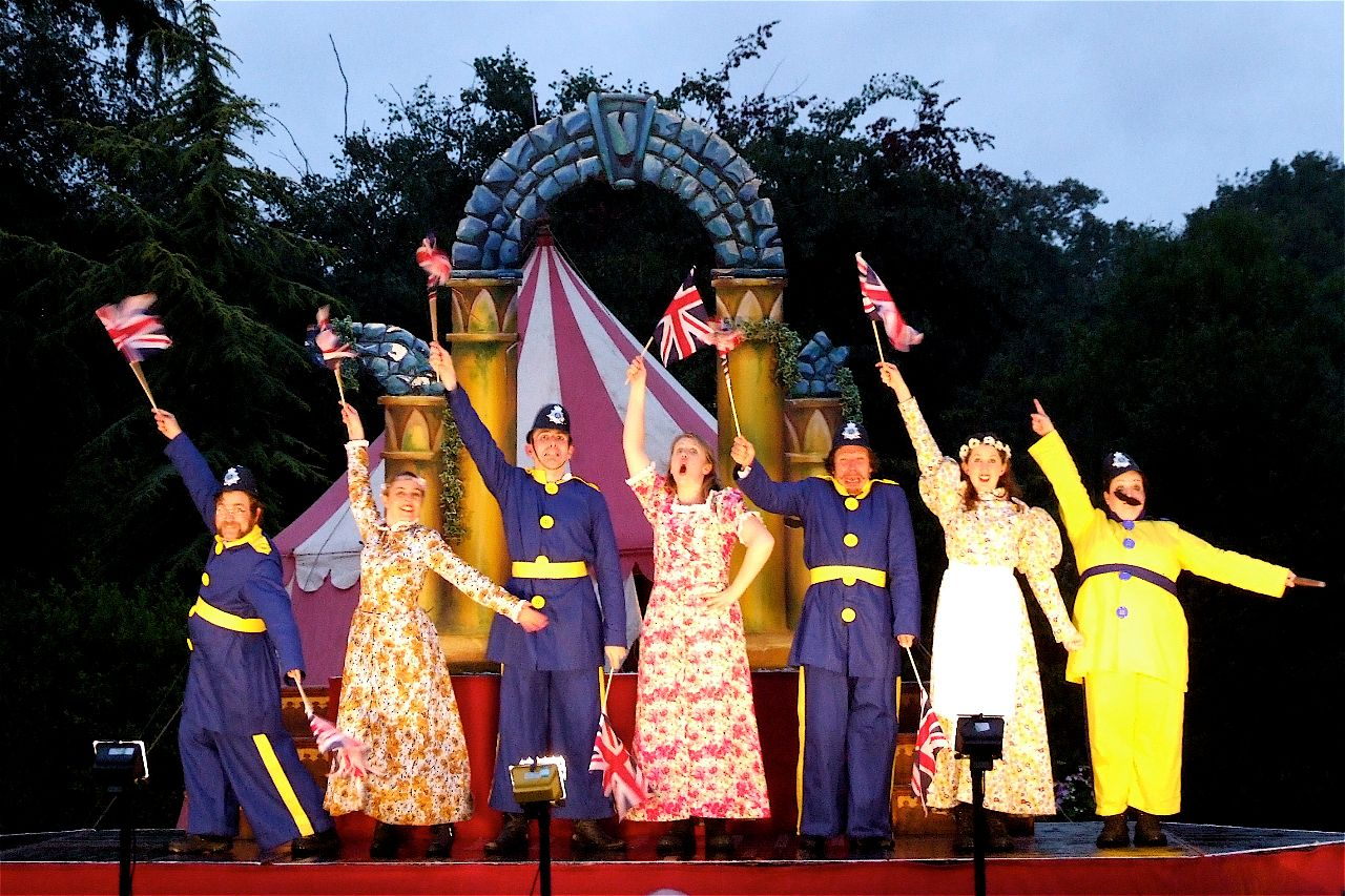 Gilbert & Sullivan's The Pirates of Penzance - outdoor performance Illyria