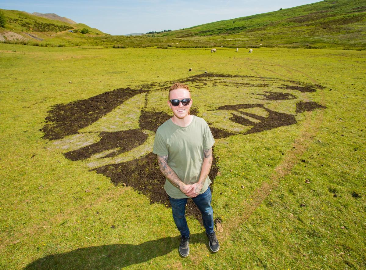 A Welsh Artist Has Created A Portrait Of Aneurin Bevan Out Of Soil
