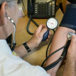 Pay rise for doctors and dentists in Wales 'better than England