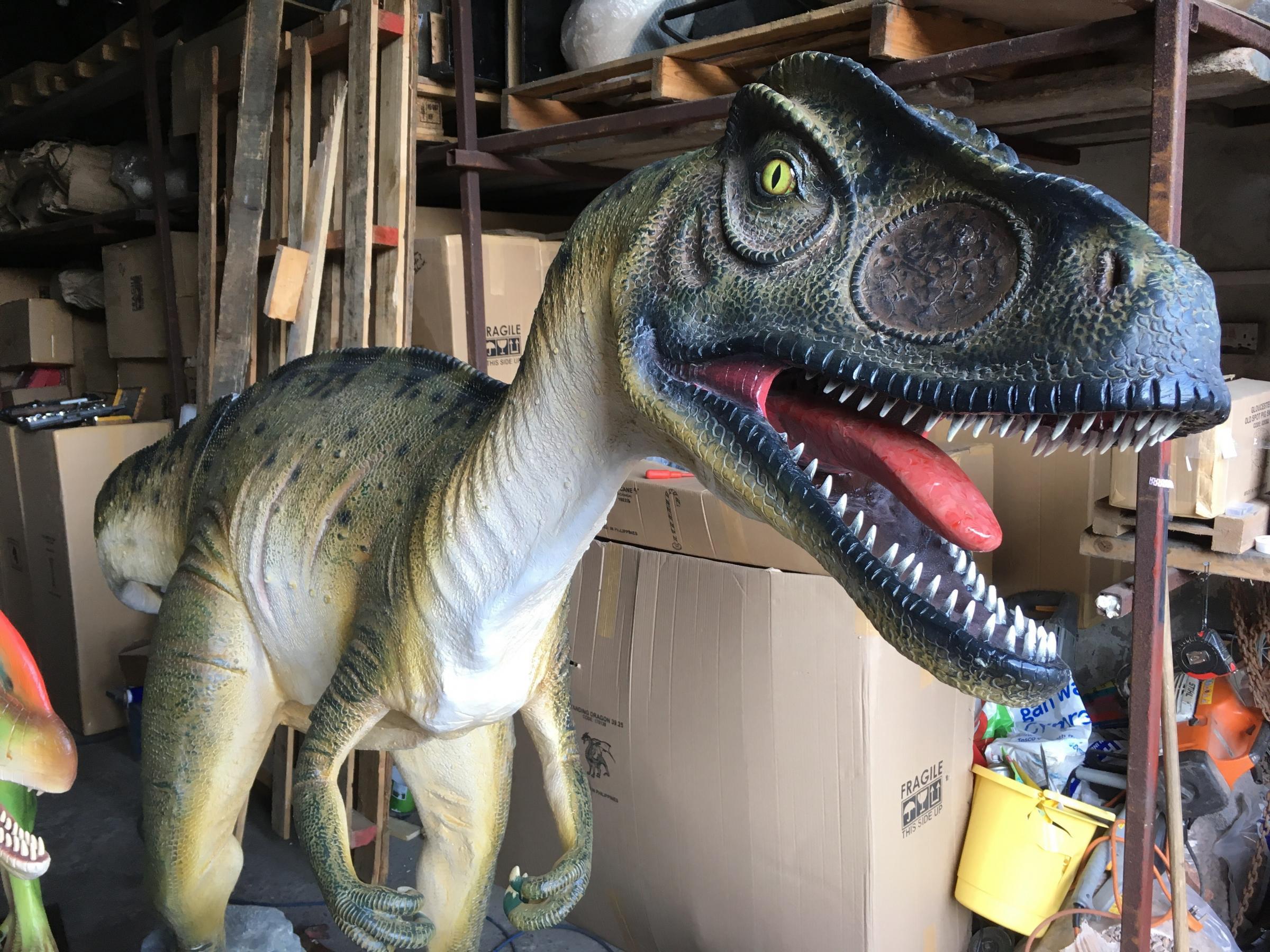 Radiocarbon dating av dinosaurie ben Nicholas Hoult dating