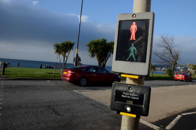 Largs pedestrian crossing. Greenock road, Nardinis..
