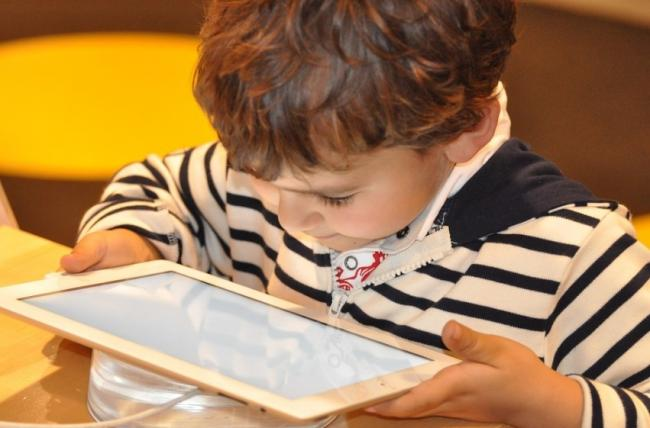 Stock photo of a child using a tablet Picture: Nadine Doerle/Pixabay