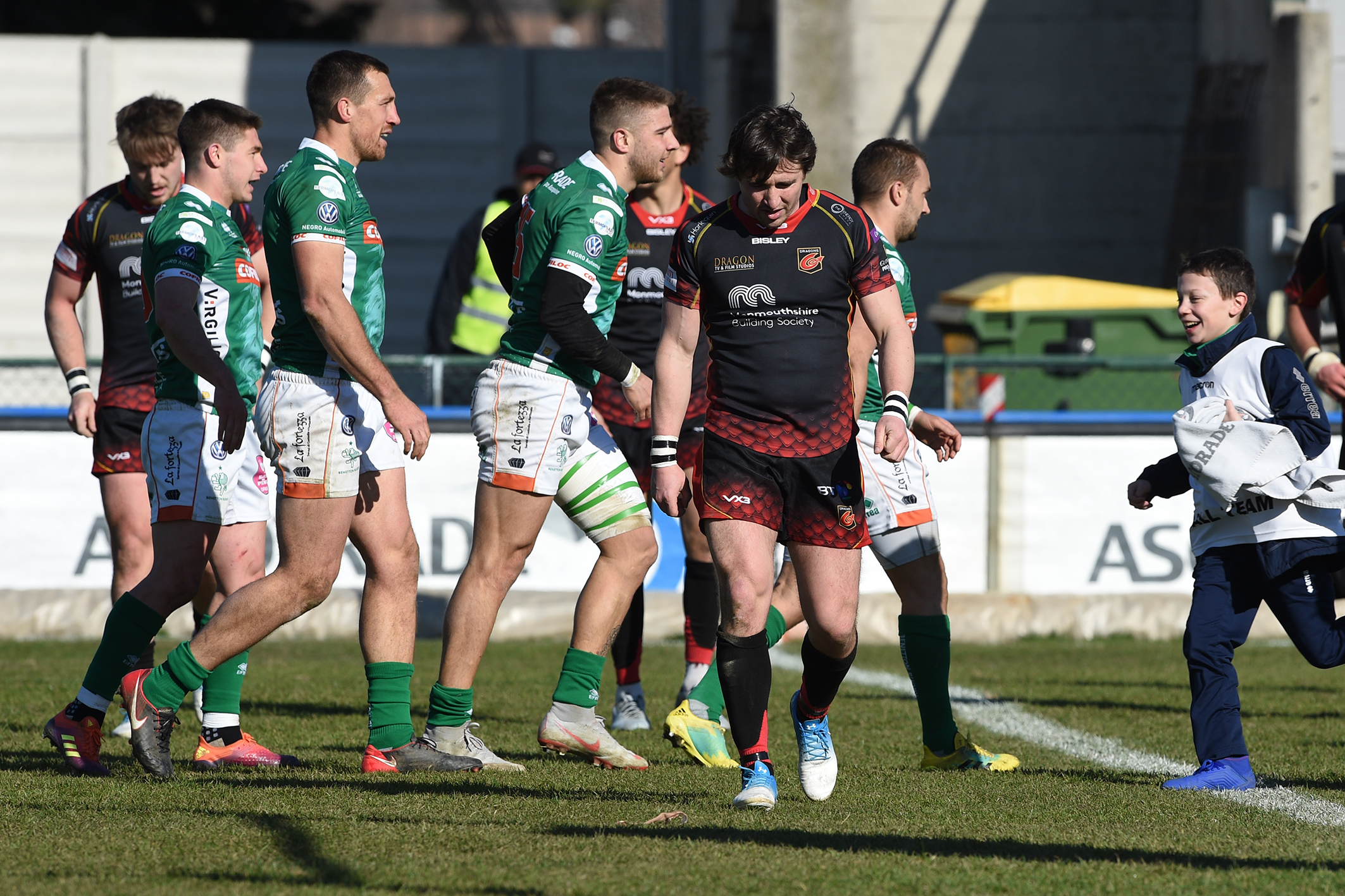MISERY: Rhodri Williams is dejected in the Dragons' loss in Treviso