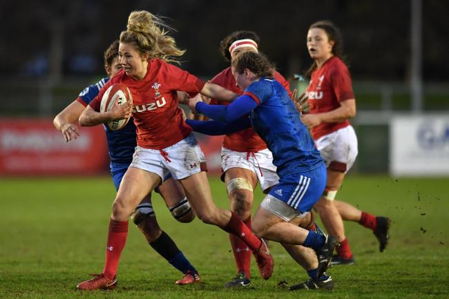 PLAYMAKER: Elinor Snowsill will pull the strings for Wales Women against Ireland in Cardiff