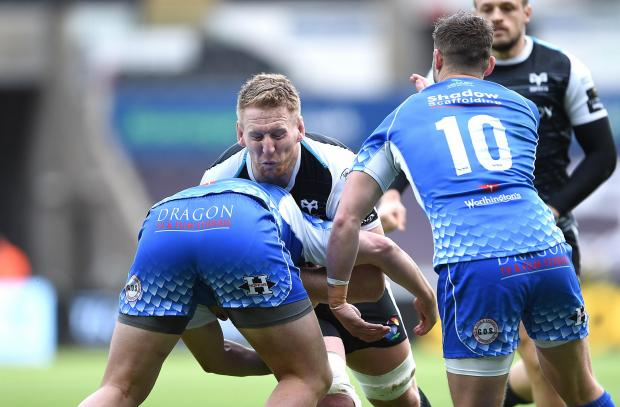 South Wales Argus: COLLISION: Bradley Davies carries hard