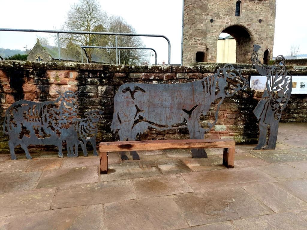 Monmouth sculptures celebrates town's former cattle market