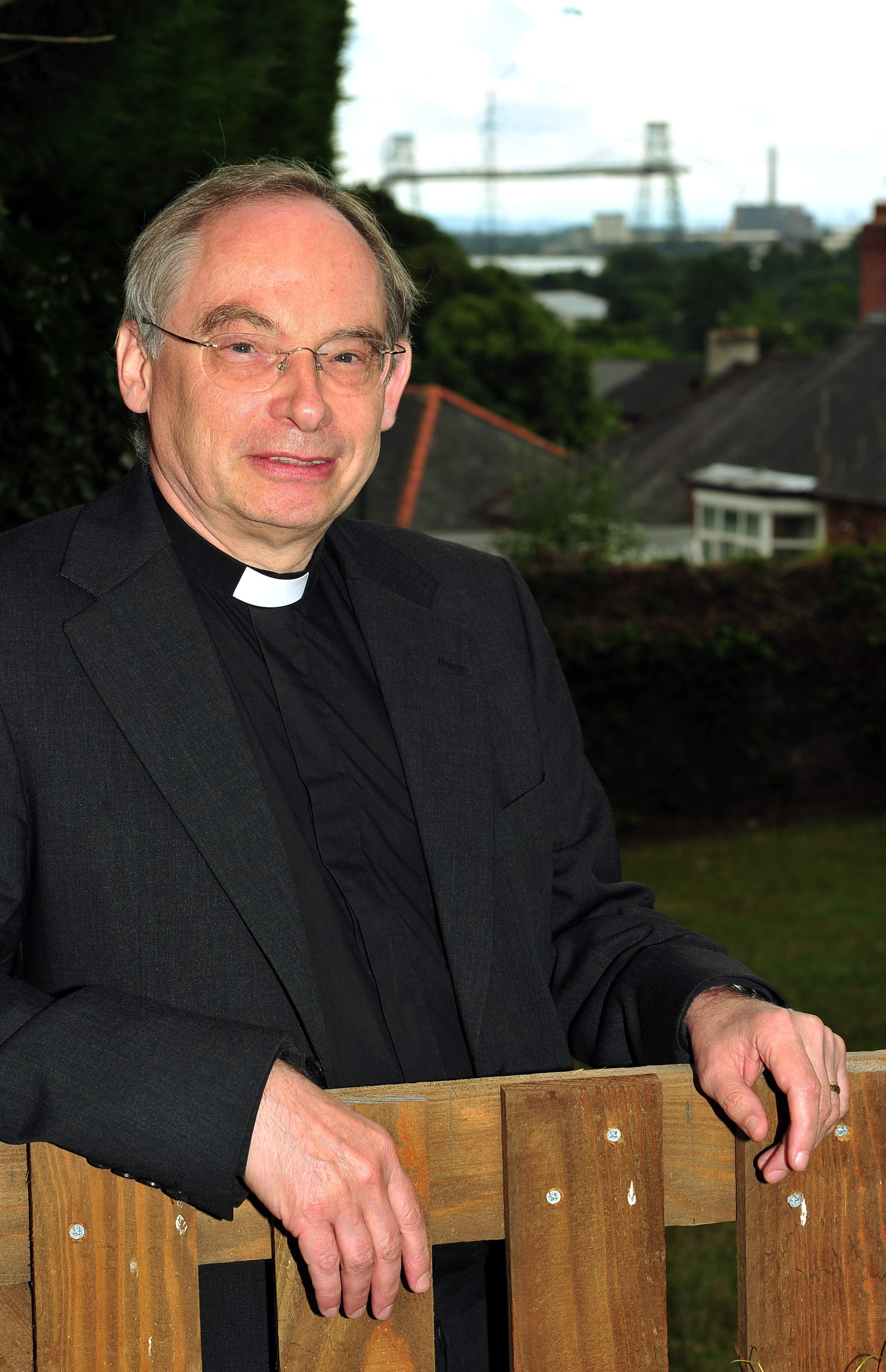 The Bishop of Monmouth Richard Pain.