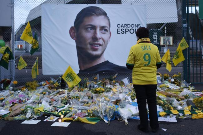 Emiliano Sala 'left alone to die like a dog', says father