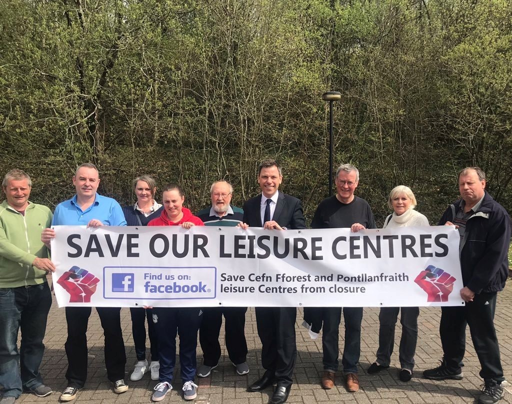 "Campaigners ""will not give up without a fight"" over proposed closure of Pontllanfraith leisure centre"